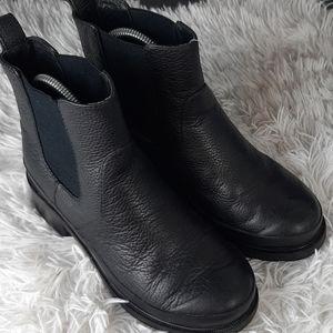 hunter shoes  booties  poshmark